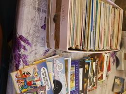 LOT DE  CARTES...(3.2 Kg) ...FANTAISIES...ILLUSTRATIONS..FETES..BONNE ANNEE...ARTISTES...FILMS...HUMOUR...ART.ETC - Postkaarten