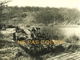 WWII Blindés Char D'assaut C. 1944 Vaux De Cernay Yvelines 78 Grande Photo - Oorlog, Militair