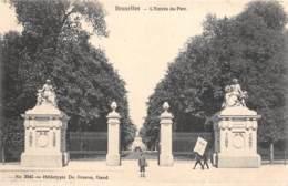 BRUXELLES - L'Entrée Du Parc - Parks, Gärten