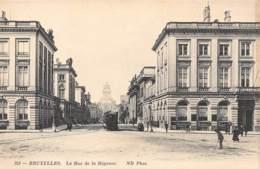 BRUXELLES - La Rue De La Régence - Avenues, Boulevards