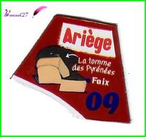 """Magnet LE GAULOIS Département Français Nouvelle Région """" 09 Ariège """" Foix La Tomme Des Pyrénées - Magnets"""