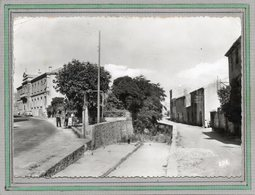 CPSM Dentelée - FITOU (11) - Aspect Du Carrefour Des Ecoles Et De La Mairie En 1967 - Other Municipalities