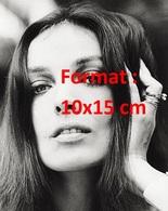 Reproduction D'une Photographie Ancienne De La Belle Chanteuse Marie Laforet En 1968 - Reproducciones