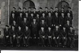 Carte Photo Militaria Uniformes )(soldats Militaires Uniforme) *PRIX FIXE - Uniformi