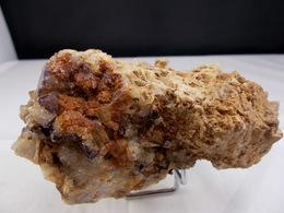 FLUORINE VIOLETTE AVEC LISERET SUR QUARTZ 10, X 6, CM  CLERSANGES - Minéraux