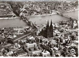 DE-NW: KÖLN Am Rhein: Panorama - Luftbild Von Dom Und Hauptbahnhof - Koeln