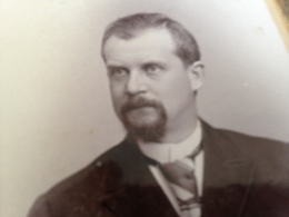 ROERMOND - ADOLF LASINSKY - ENERGISCHER MANN MIT AUSGESCHNITTENEM BART - Lieux