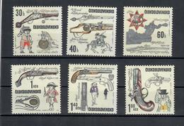 CECOSLOVACCHIA 1969 - ARMI DA FUOCO STORICHE - MNH ** - Cecoslovacchia