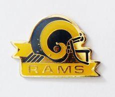 Pin's Casque Football Américain RAMS -  CBJ - Voetbal