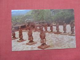 Vietnam  Buddist Statues At Hue  - US Military Free Cancel>  Ref 3527 - Vietnam