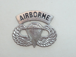 Pin's AILES AIRBORNE - Avions