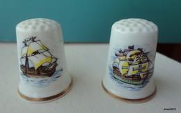 Lot 2 Dés En Porcelaine - Voiliers - Thimbles