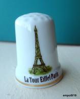 Dé En Porcelaine   -  PARIS LA TOUR EIFFEL - Dés à Coudre