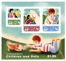 New Zealand Zeeland Sealand 2005 R MNH Block Children's Health Pets Rabbit Horse Cat Dog Animals Animaux Tiere Animales - Rabbits