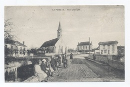 28, LA PUISAYE,- - La Place Publique -- RECTO/VERSO- B63 - Other Municipalities