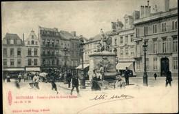 BRUXELLES : Fontaine Place Du Grand Sablon  / Animée - Monumenten, Gebouwen