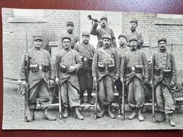 WW1 - CARTE PHOTO Groupe De Poilus - Fusils- Baïonnette - 1915  ALLONNE  Oise - Guerre 1914-18