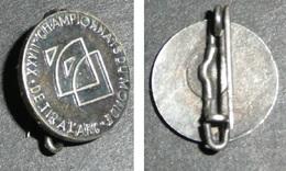 Rare Ancienne Broche En Métal, XXVIIe Championnats Du Monde De Tir à L'arc, Flèches - Tir à L'Arc