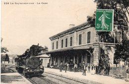 83 LA SEYNE SUR MER INTERIEUR DE LA GARE ANIMEE ARRIVEE DU TRAIN - La Seyne-sur-Mer