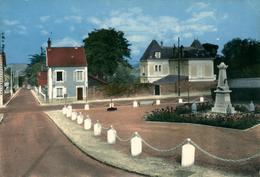 EPONE Et EPONE-MEZIERES (deux Cartes) L'église Et Place Du Mt Aux Morts - Epone
