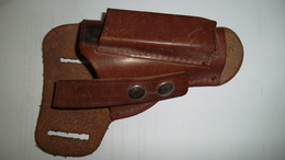 Etui Pistolet Cuir Marron - Equipment