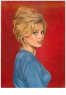 Spectacle. N°34975.brigitte Bardot.cpsm 15 X 10.5 Cm . - Artistes