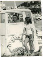 Fille Girl Maillot Appareil Photo 50s Bateau Boat Tourisme Maillot Bain été Holidays Ile Du Levant Port Cros Capitaine - Personnes Anonymes