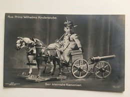 AK Prinz Wilhelm Der Kleinste Kanonier Kanon Geschutz Artillerie Pickelhaube Kinderstube - Ausrüstung