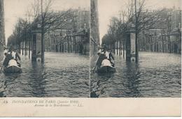 CPA N°43. Inondations De Paris (janvier 1910) Avenue De La Bourdonnais. Deux Vues Identiques. - Paris Flood, 1910