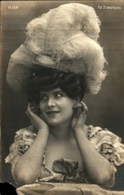 Artiste Femme 1900 - M Yrven (fol Dramatiques Grand Chapeau - Kabarett