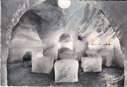 74----CHAMONIX-LE MONTENVERS--la Grotte De La Mer De Glace--le Living-room--voir 2 Scans - Chamonix-Mont-Blanc