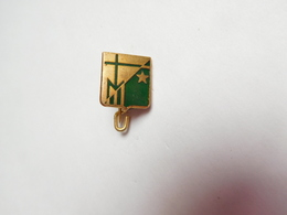 Belle Broche  ( No Pin's ) , M , Religion ?? , Croix - Pins
