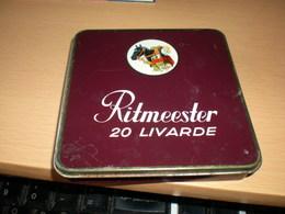 Old Tin BoX Ritmeester 20 Livarde Made In Holland - Schnupftabakdosen (leer)