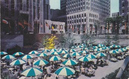 ETATS-UNIS----NEW YORK--ROCKEFELLER Center And Lower Plaza--voir 2 Scans - Manhattan