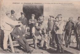 Bv - Rare Cpa PONTIVY - 2me Régiment De Chasseurs - L'Arrivée Des Bleus Chez Le Perruquier - Pontivy