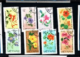 6428b)  FLEUR Vietnam 8 Val De 1980- FLOWER BLUME FIORE  -SERIE  -USATA - Vietnam