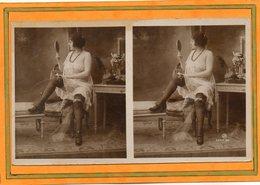 CPA - Photo érotique-stéreoscopique Femme Plus Ou Moins Nue, Légèrement Vêtue De Sous-vêtement Et Pose Suggestive - Fotografie