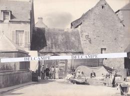 ARROMANCHES 1880/90 - Très Rare Photo Platinotype D' Hippolyte BLANCARD, Un Lavoir, Affiche Expo Du Havre 1889  Calvados - Places