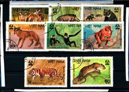 6432b)  1981 VIETNAM DEL NORD FAUNA ANIMALI 8 VAL -SERIE  -USATA - Vietnam