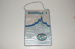 Fanion Fifty-One 51 International Marseille D119 - 1 Tissus Imprimé France - Organisations