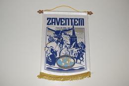 Fanion Fifty-One 51 International Zaventem D102 - 44 Tissus Imprimé - Organizations