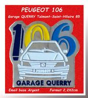 """SUPER PIN'S PEUGEOT : Emis Par Le GARAGE """"QUERRY"""" à TALMONT St HILAIRE ( 85) """"106 BLANCHE"""" émail Base Argent 2X2,2cm - Peugeot"""