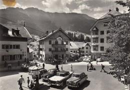 ORTISEI-ST. ULRICH-BOLZANO-BOZEN--AUTO-CAR-VOITURES-=ALFA ROMEO=+ VESPA PIAGGIO-CARTOLINA VERA FOTO VIAGGIATA 16-8-1961 - Bolzano