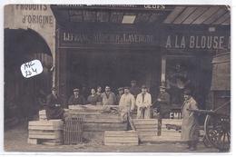 PARIS 1- CARTE-PHOTO- STANDS A LA BLOUSE BLEUE ET LEFRANC-MERCIER & LAVERGNE COMMISSIONNAIRES-  RUE DE LA LINGERIE - District 01