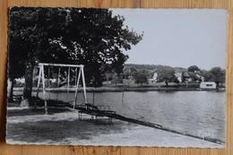 35 : Chatillon-en-Vendelais - La Plage Et L'Etang - Jeux Pour Enfants - (n°15797) - France