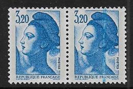 Liberté N° 2377 ** Défaut D'impression Timbre De Droite - 1982-90 Vrijheid Van Gandon