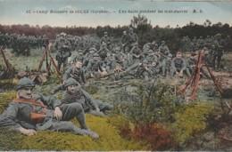 ***  33  ***  Camp Militaire De Souge  Une Halte Pendant Les Manoeuvres - GIRNDE -- TTB  écrite 1932 - Manoeuvres