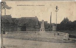 28 NOGENT LE PHAYE LE MONUMENT AUX MORTS EOLIENNE - Francia