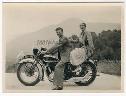 Snapshot - Portrait D'un Couple Sur Une Moto. 1933. Annotations Au Dos, Voir Scan. - Photographs