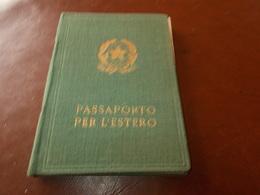 B732  Passaporto Per L'estero Cm13x9 - Documentos Antiguos